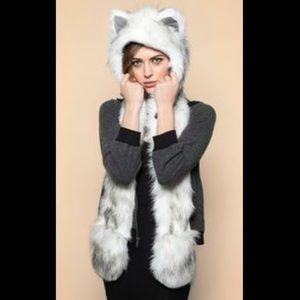 Accessories - Wolf spirit hoodie with scarf and glove pockets